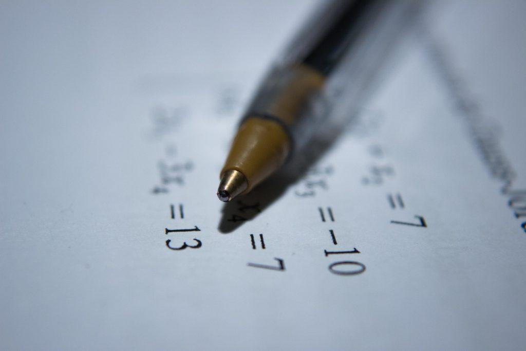 鉛筆のノートの画像