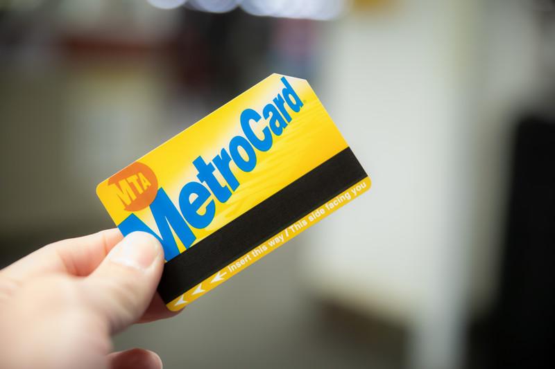 中学生に交通系ICカード持たせるべき?
