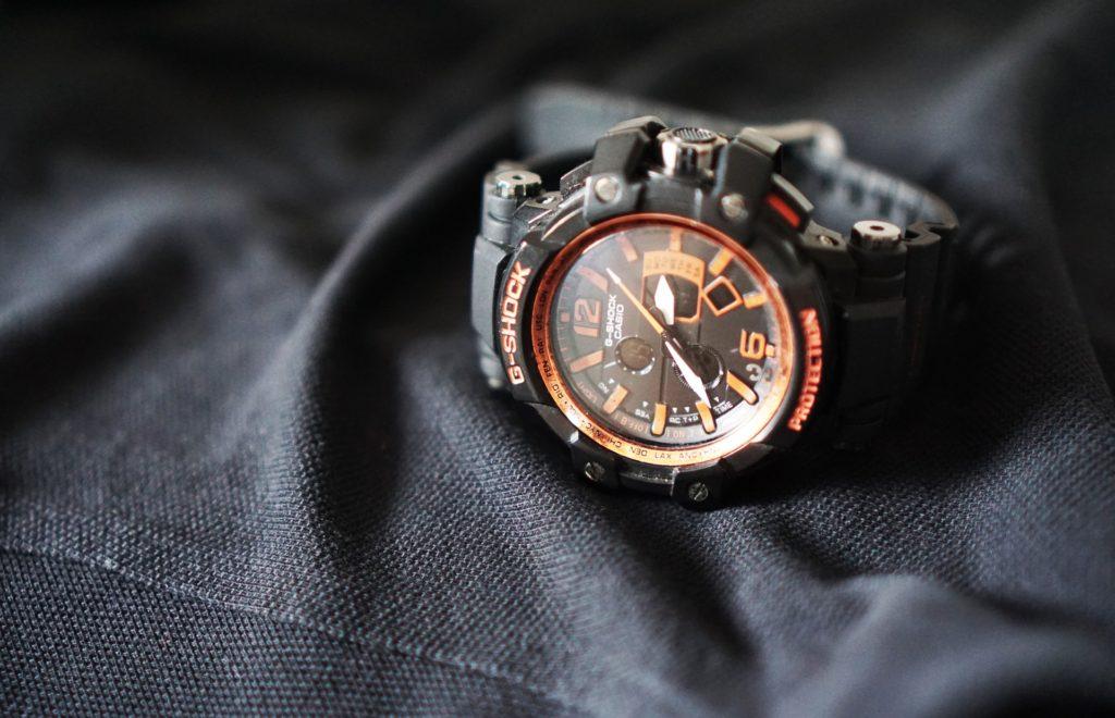 カシオが作っている腕時計G-SHOCKは中高生におすすめ?